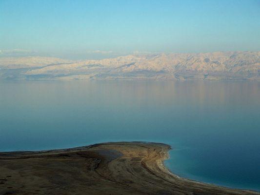 800px_Dead_Sea_by_David_Shankbone-370-600-400-80